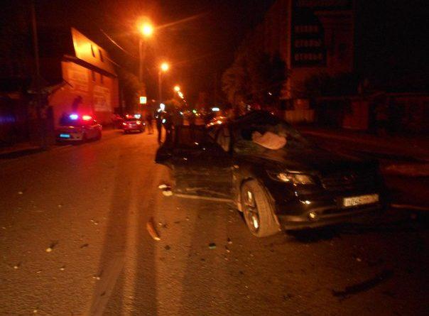 Ночью в Тюмени произошло жуткое ДТП между двумя Инфинити, погибли 2 человека