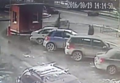 «Вину не признал». Водитель Форда сбил девочку на тротуаре. ВИДЕО из Ектеринбурга