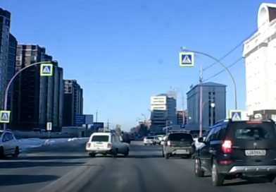 На переходе по ул.Харьковской ВАЗ-2104 чуть не сбил пешехода. ВИДЕО