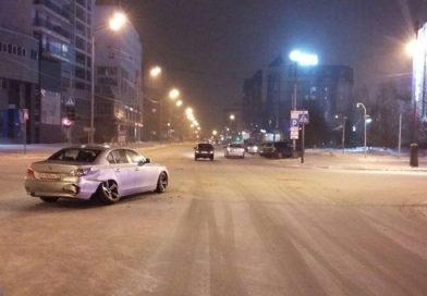 В сети появилось ВИДЕО жесткой аварии в предновогодний вечер в центре Тюмени