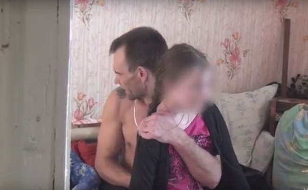 Отец занимается сексом дочкой