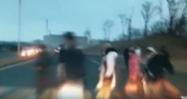 во владивостоке женщина сбила пешеходов видео объем реализованной продукции