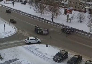 Водитель «Прадо», устроивший «замес» из пяти автомобилей в Тобольске, «надул» 0,58 промиллей