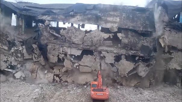 Экстремальное разрушение здания в Воронеже попало на видео