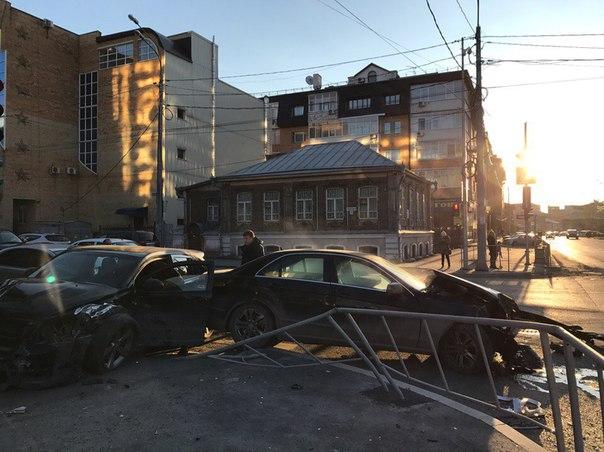 Авария Додж и мерседес на Комсомольской