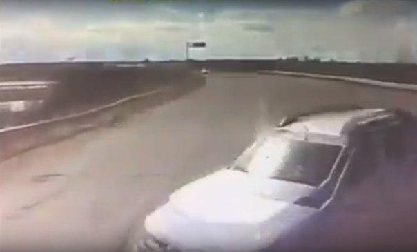 девушка выскочила под бензовоз в Югре