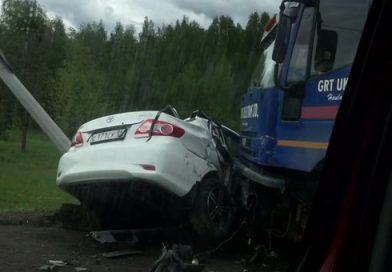 «Тойота» под фурой. Жуткая авария на Московском тракте под Тюменью