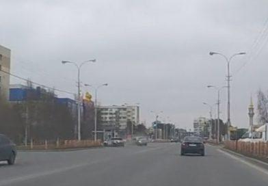 Жесткое ДТП в Сургуте около гостиницы «Обь» попало на ВИДЕО