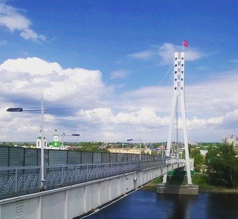 смоубийца спрыгнул с моста Влюбленных