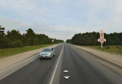 На Ялуторовском тракте от удара с Mitsubishi мотоцикл отскочил в кювет