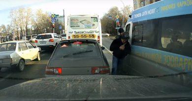 Волошин подрался с водителем маршрутки