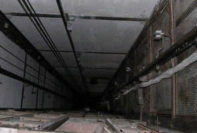 шахта лифта тело