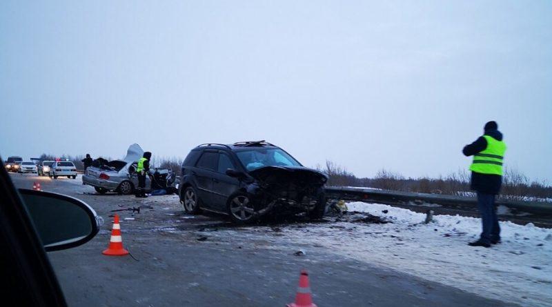 Жуткое ДТП парализовало движение на трассе Тюмень — Ханты-Мансийск, есть погибшие