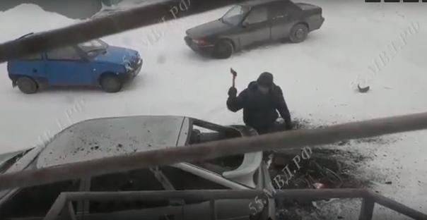 топором в Омской