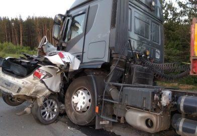 грузовик подмял тюмень