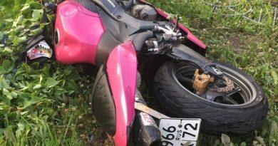 """Утром у """"Кристалла"""" разбились насмерть байкер с пассажиром"""