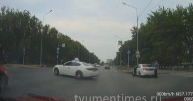 Беспредел на тюменском перекресте. ВИДЕО с опасным дрифтом на ул.Щербакова