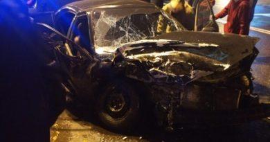Опубликовано ВИДЕО жесткой аварии на перекрестке Республики и Первомайской в Тюмени