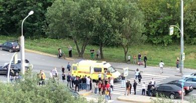 На пешеходном переходе на Широтной автомобиль Яндекс-такси сбил ребенка
