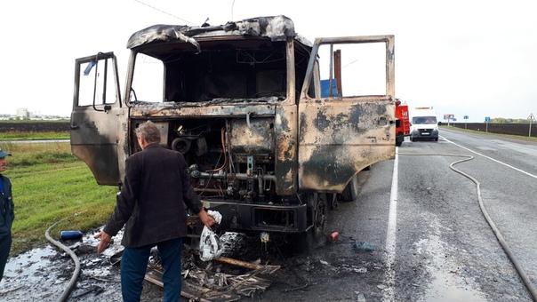 На трассе под Заводоуковском горел грузовик