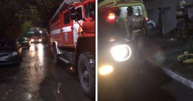 Вечером тюменские пожарные эвакуировали людей из девятиэтажки на Холодильной