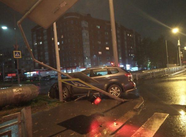 В вечерней аварии на Московском тракте пострадали три человека