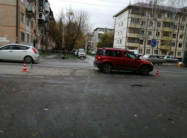 На Парфенова Skoda сбила 4-летнего ребенка, перебегавшего дорогу со страшим братом