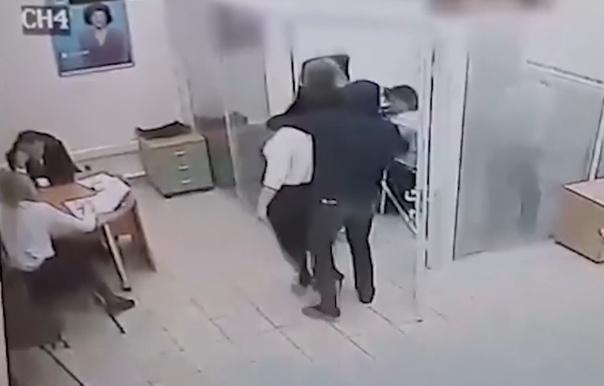 """Опубликовано ВИДЕО дерзкого ограбления банка """"Открытия"""" в Тюмени"""