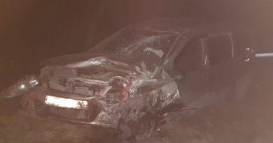Страшная авария под Тугулымом: Volkswagen Polo влетел в выехавший на трассу Largus