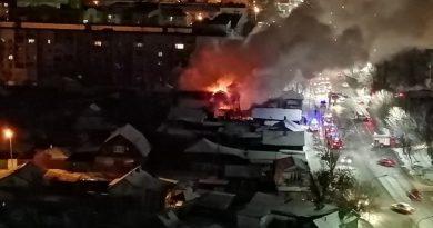 """Ночной пожар на Широтной: """"Вышибали ворота, вытаскивали людей из огня"""""""