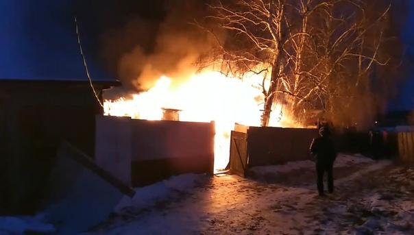 Пожар на улице Электросетей в Тюмени. ВИДЕО очевидца