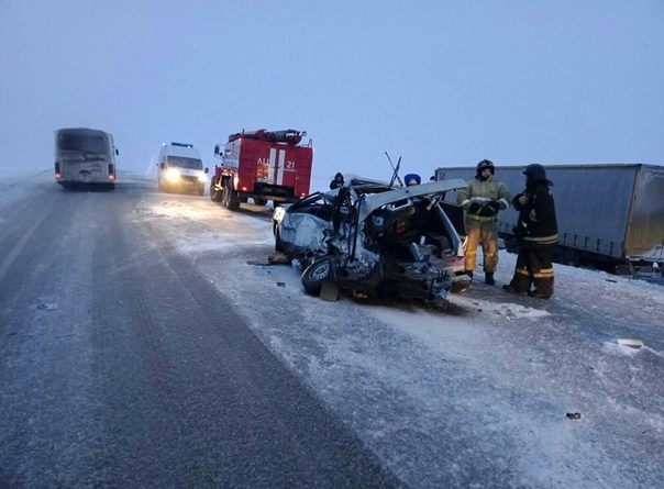 В жуткой аварии на трассе Тюмень -Курган погибли три женщины, чудом выжил 5-летний ребенок