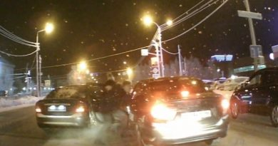 Дорожный конфликт в Сургуте: один водитель побил второго за необдуманный разворот