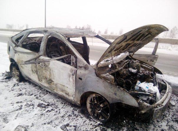 """Возможно, убийство. Следствие ищет очевидцев возгорания """"Форда"""" на тюменской объездной"""