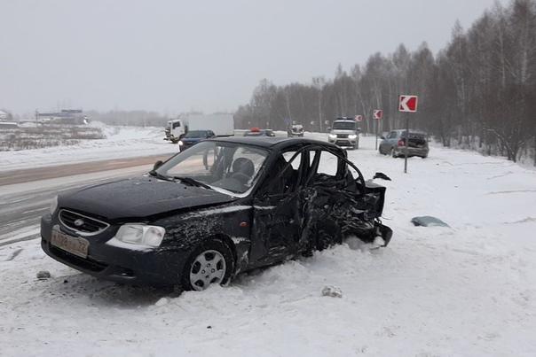 Смертельная авария под Тобольском: погиб пассажир легковушки, еще четверо в больнице