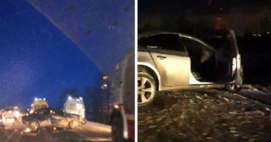 Массовая авария у Боровского: пять искореженных автомобилей, погиб водитель Chevrolet