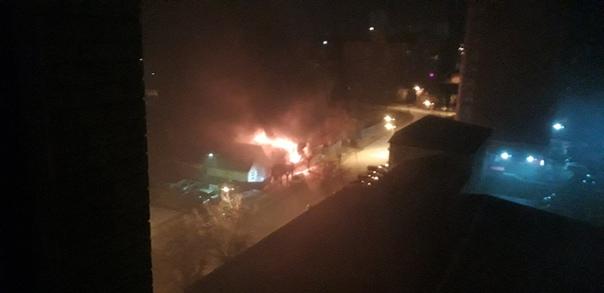 В ночном пожаре в центре Тюмени погиб один человек
