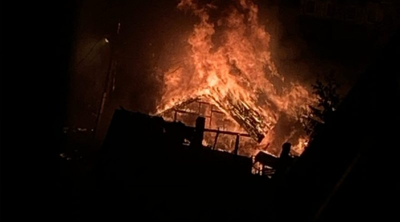 Ночной пожар на Самарцева