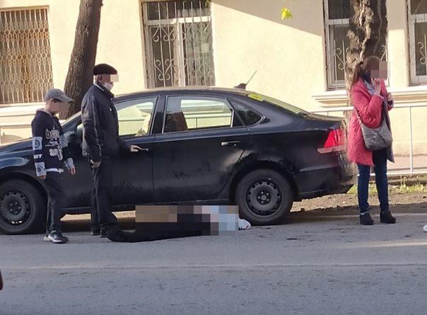 На пешеходном переходе на ул.Мира 80-летний пенсионер на Polo переехал пожилую тюменку
