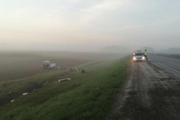 На Ялуторовском тракте разбилась KIA. Погиб пассажир, второй в тяжелом состоянии