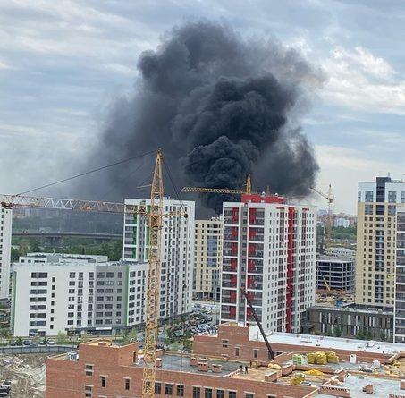 Пожар в Зареке: горел битум на крыше строящегося дома