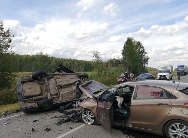 Лобовая авария под Ирбитом: погиб житель Златоуста, пострадали четверо тюменцев