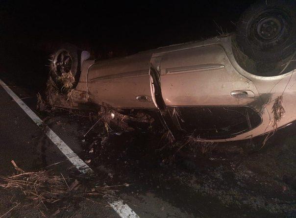 """Ночью на трассе Тюмень - Омск """"Ниссан"""" залетел на встречке под грузовик, водитель погиб"""