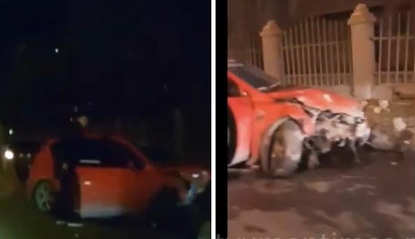 Странные маневры неадекватного водителя привели к ДТП. ВИДЕО с вечерней улицы Н.Чаплина