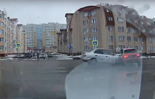 полицейский на Ауди попал в ДТП в Ханты-Мансийске