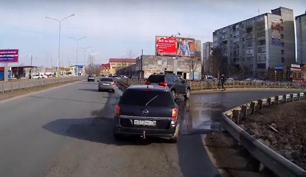 джип столкнулся с велосипедистом в Тюмени