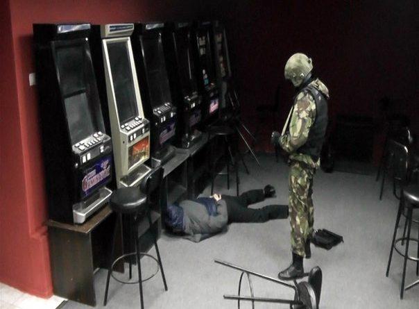 ОМОН накрыл игровой салон в Тюмени
