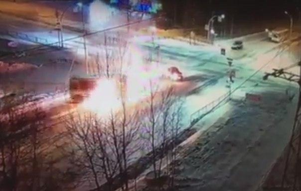 взрыв автобус Ноябрьск
