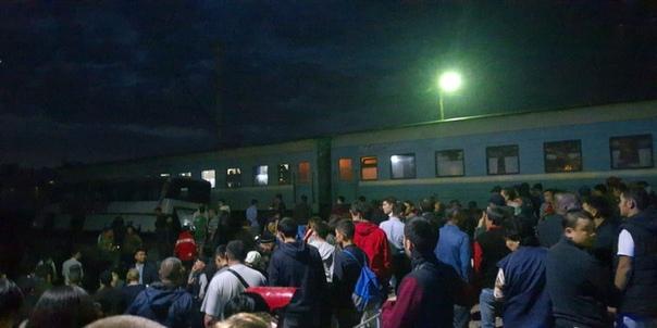 Подробности ЧП в Казахастане, где поезд протаранил рейсовый автобус с людьми. ВИДЕО момента столкновения