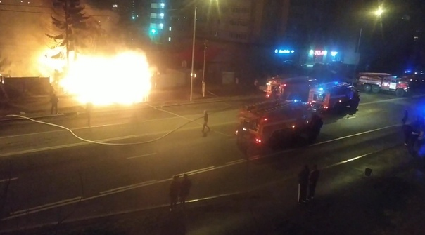 Ночью на Самарцева дотла сгорел частный дом. В огне погиб мужчина